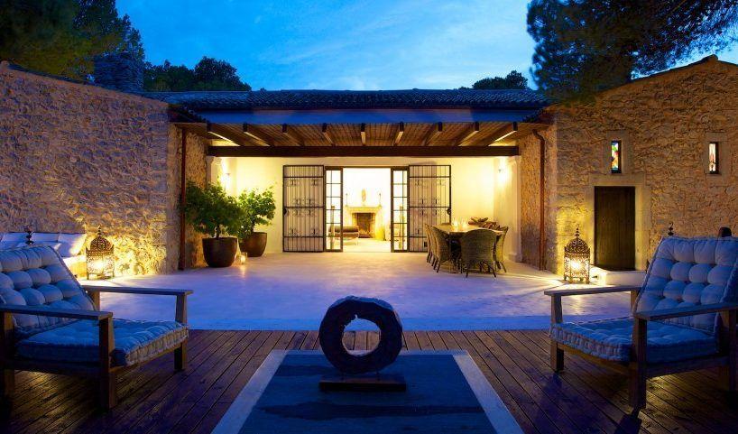 villa-amistad_28-818x481 Villas in Ibiza with mediterranean style