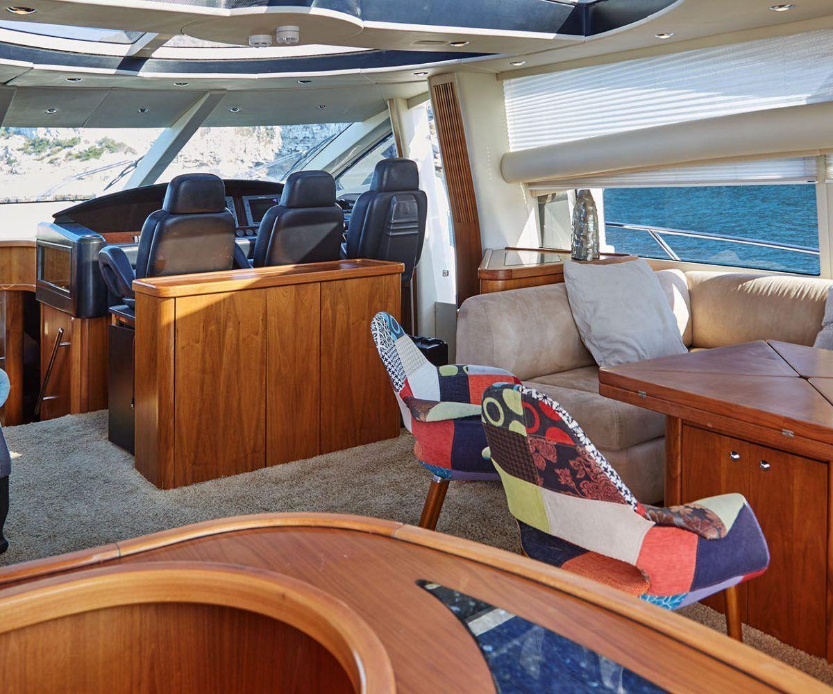 Predator 82 boat for rent